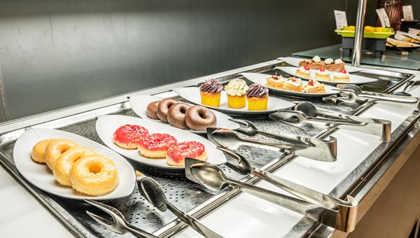 Buffet desayuno respostería Restairante Mare Nostrum